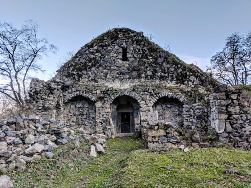 HIKEArmenia Bekh Hermitage